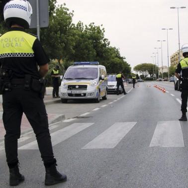 policias_dando_el_alto